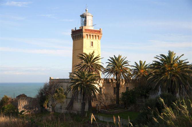 المغرب: رحلة إلى مدينة طنجة المغربية عروس الشمال