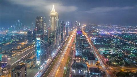 دبي استقبلت أكثر من 8 مليون سائح في النصف الأول من عام 2017