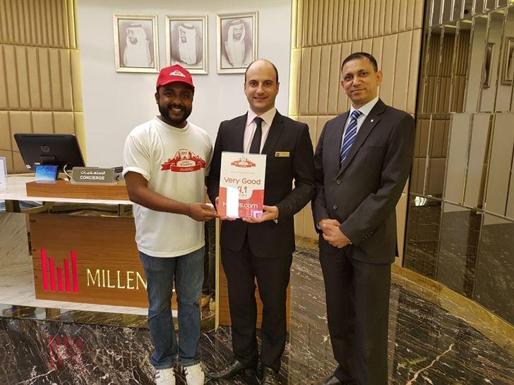 ميلينيوم بلازا دبي يفوز بجائزة الفندق المحبوب من الزوار 2017