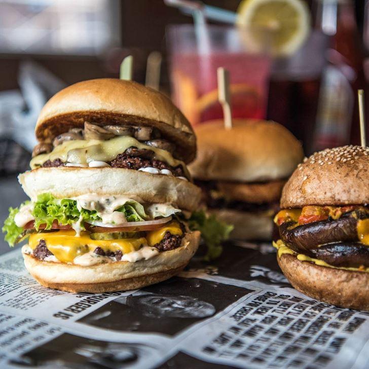 مطعم بليز برجرز Blaze Burgers .. الآن في ممشى جميرا بيتش ريزيدنس