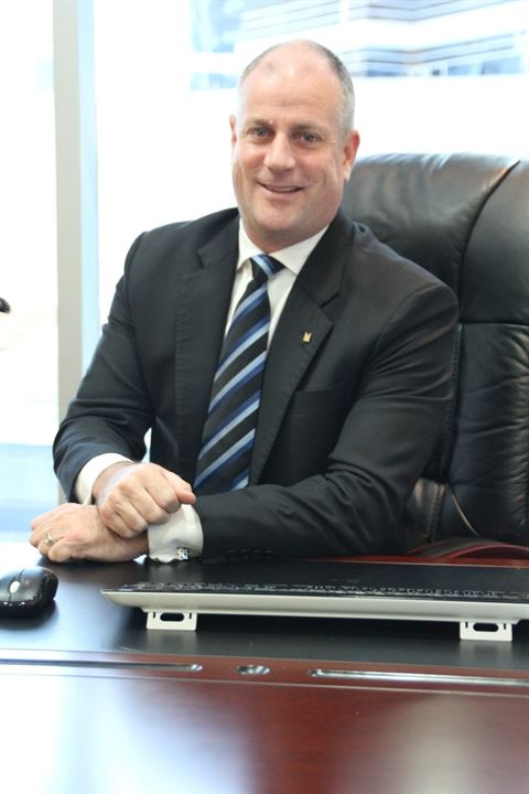 جلين نوبس، مدير عام فندق كوبثورن دبي