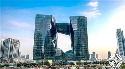 """تعرف على """"ذا أوبوس"""" ... أول مبنى من تصميم الراحلة زها حديد في دبي"""