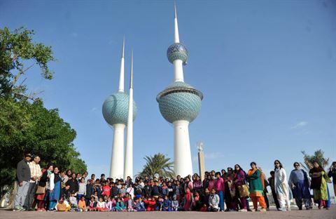 """""""أولى للوقود"""" تشارك في حملة تنظيف شاطئ أبراج الكويت"""
