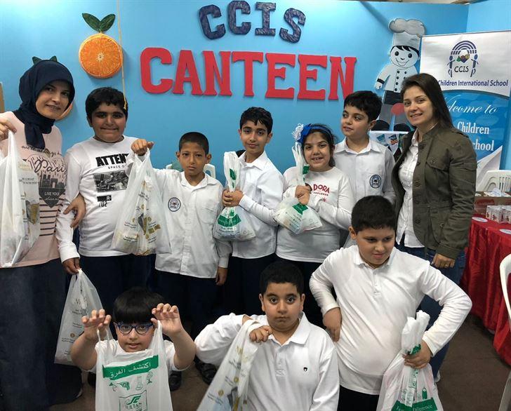 مركز سلطان يستضيف طلاب مدرسة الأطفال المبدعين العالمية في تجربة تسوق حقيقة