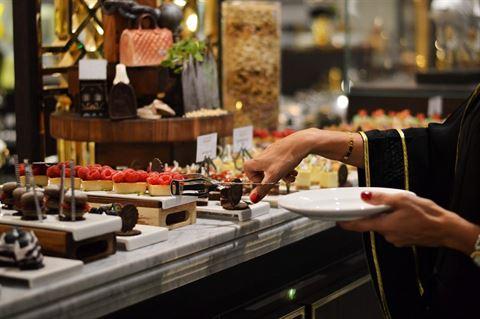 كافيه سوسايتي يحتفي بـ رمضان بالتبرع بنسبة 10% من عائدات الإفطار للهلال الأحمر الإماراتي