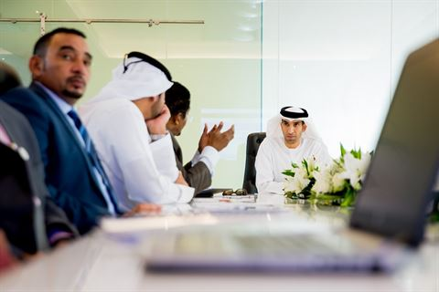 وزير التغير المناخي والبيئة معالي الدكتور ثاني بن أحمد الزيودي يزور شركة الروابي للألبان