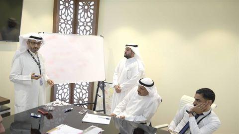 الرئيس التنفيذي يشارك في الدورة التدريبية