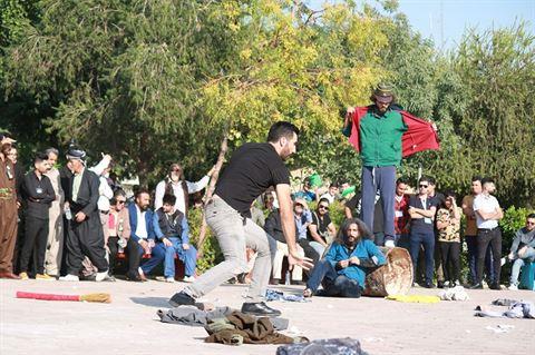 """""""روح الثورة"""" من مسرح اسطنبولي: الحراك الشعبي بين لبنان والعراق"""