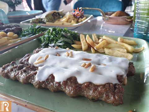 """تجربتنا المميزة في مطعم """"ميجانا"""" اللبناني الذي فتح أبوابه على شارع الخليج العربي"""