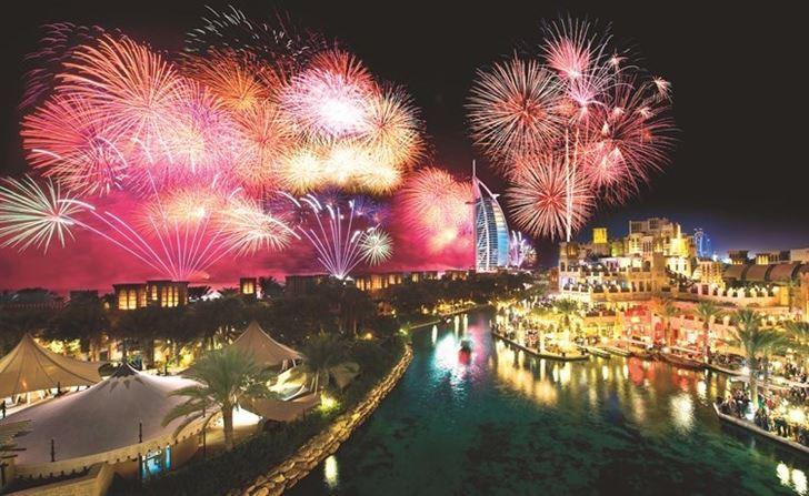 """فنادق ومنتجعات """"مجموعة جميرا"""" في دبي تستقبل العام الجديد بباقة عروض جذابة"""