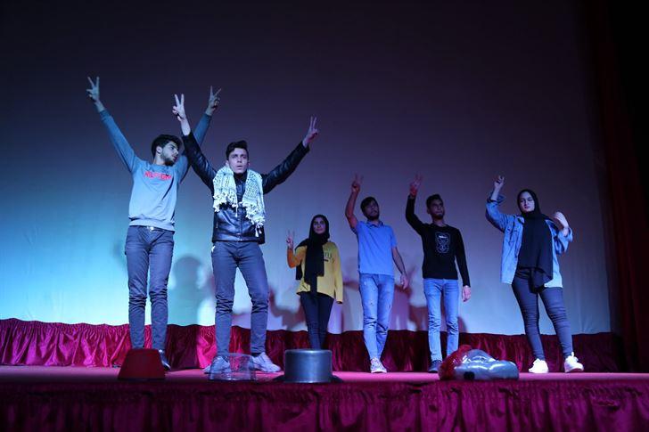"""مسرح إسطنبولي يعرض """"شي تك تك شي تيعا"""" في مدينة صور"""