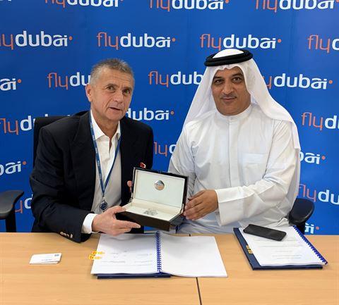 فلاي دبي تستأجر اربع طائرات بوينغ 800-737