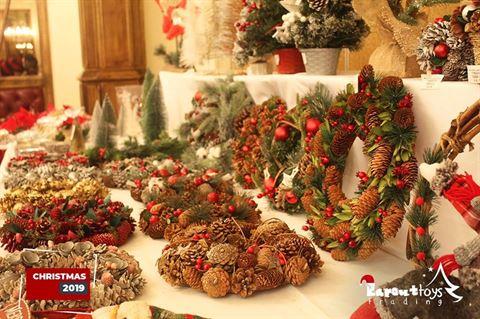 تشكيلة واسعة من كافة أنواع الزينة الميلادية و الألعاب تجدونها عند Karout toys!