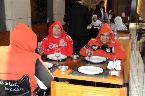 مطعم السلطان إبراهيم يستضيف نزلاء دور الرعاية في حفل فطور