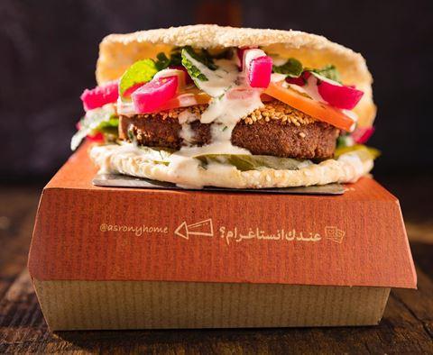 ألذ كعك في الكويت بنكهات رائعة عند مطعم العصروني