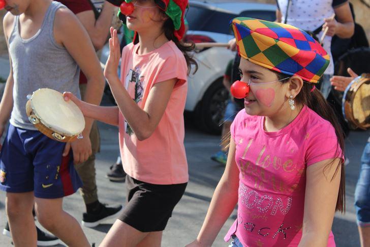 مسرح إسطنبولي في افتتاح فعاليات كرنفال الربيع في مدينة صور