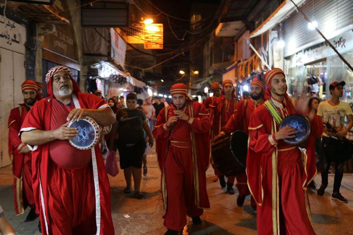 مسرح إسطنبولي خلال افتتاح السوق الرمضاني بكرنفال شارع