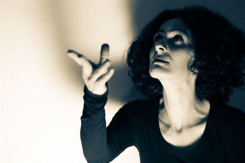 طفولة من زجاج رقيق-لبنان-ريما حمود