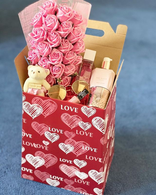 Lily Gifts Valentines Collection ... Special Discount for Rinnoo Visitors!