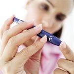 أول محاولة ناجحة لمعالجة مرضى السكري بعقار الإنسولين.<br />